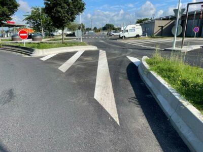 bordure béton coulé parking VL et PL